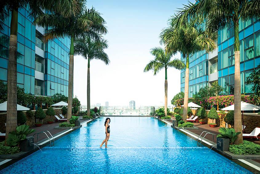 sky-pool-vinhomes-dong-khoi